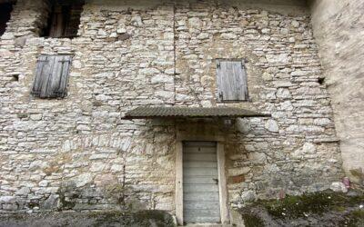 Rustico panoramico da ristrutturare in vendita a Patone (Isera)